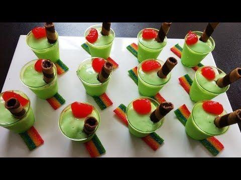 Una opción deliciosa para tus mesas de postres en gelatina. Si quieres aprender paso a paso este hermoso arte entra a este enlace https://www.universidaddela...
