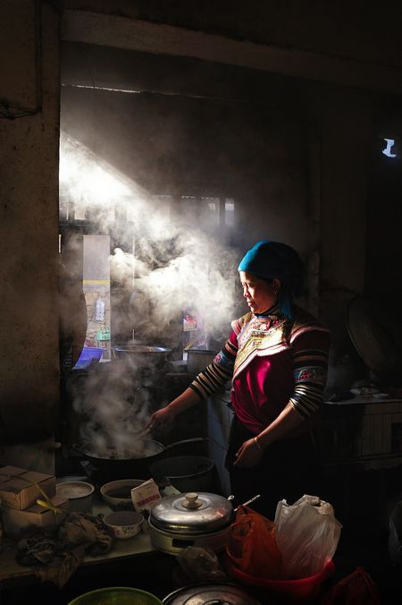 Delicious Local Food In The Shengcun Yuanyang Yunnan China Weekly Market Shengcun Cook Photo By Ly Hoang Long National Geographic Your Sh Decorazioni