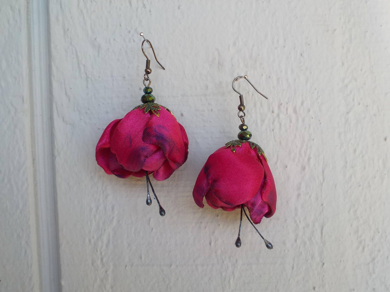 Hot Pink Fabric Flower Earrings Fuchsia Flower Tango Flamenco Etsy Flower Earrings Fabric Flowers Fuchsia Flower