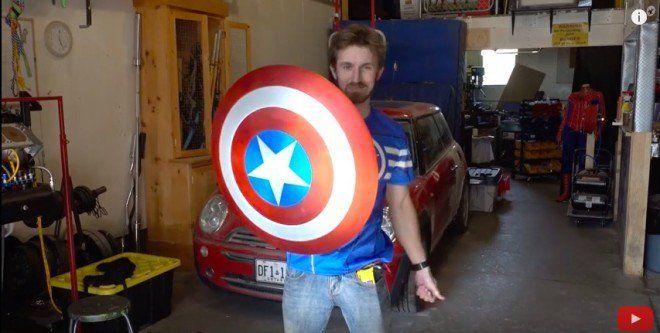 Fanático crea una réplica funcional del escudo del Capitán América https://t.co/stlBPkDMuQ https://t.co/i6eRZIupsk