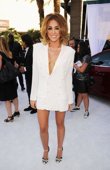 Miley Cyrus Goes Pantless in a White Hot Blazer at Billboard ...