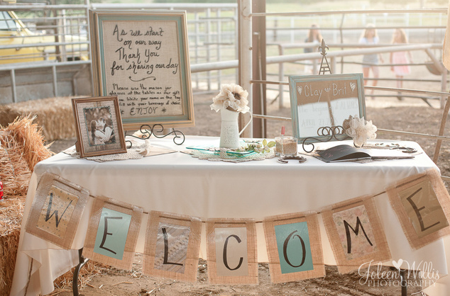 Reception Weclome Table At Entrance Of A Country Wedding Wedding Entrance Table Wedding Reception Entrance Gift Table Wedding