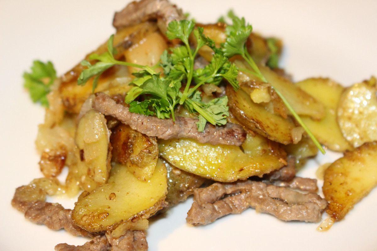 Bratkartoffeln mit Rinderstreifen vom Minutensteak