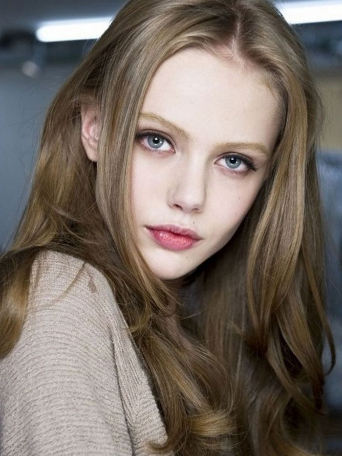 Natural Dark Blonde Hair Google Search Hair Pale Skin Red