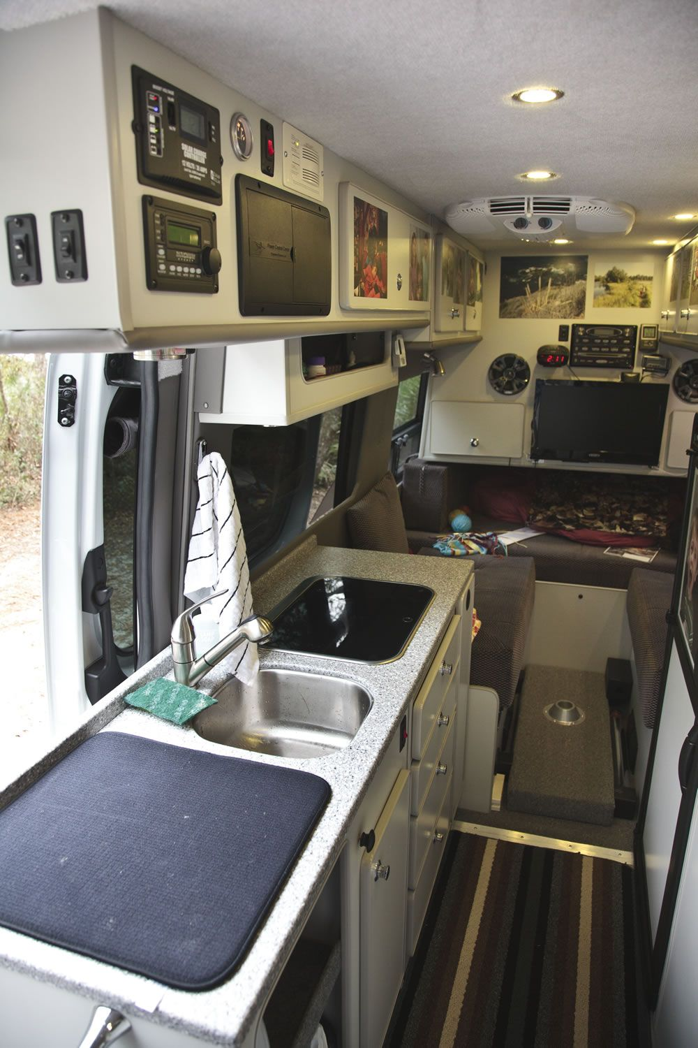 Dave Elmore's Sportsmobile based on a Sprinter | RV ...