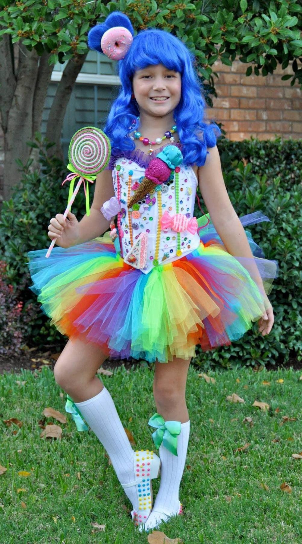 Easy DIY Halloween Costume: Flower With Big Petals | Halloween ...