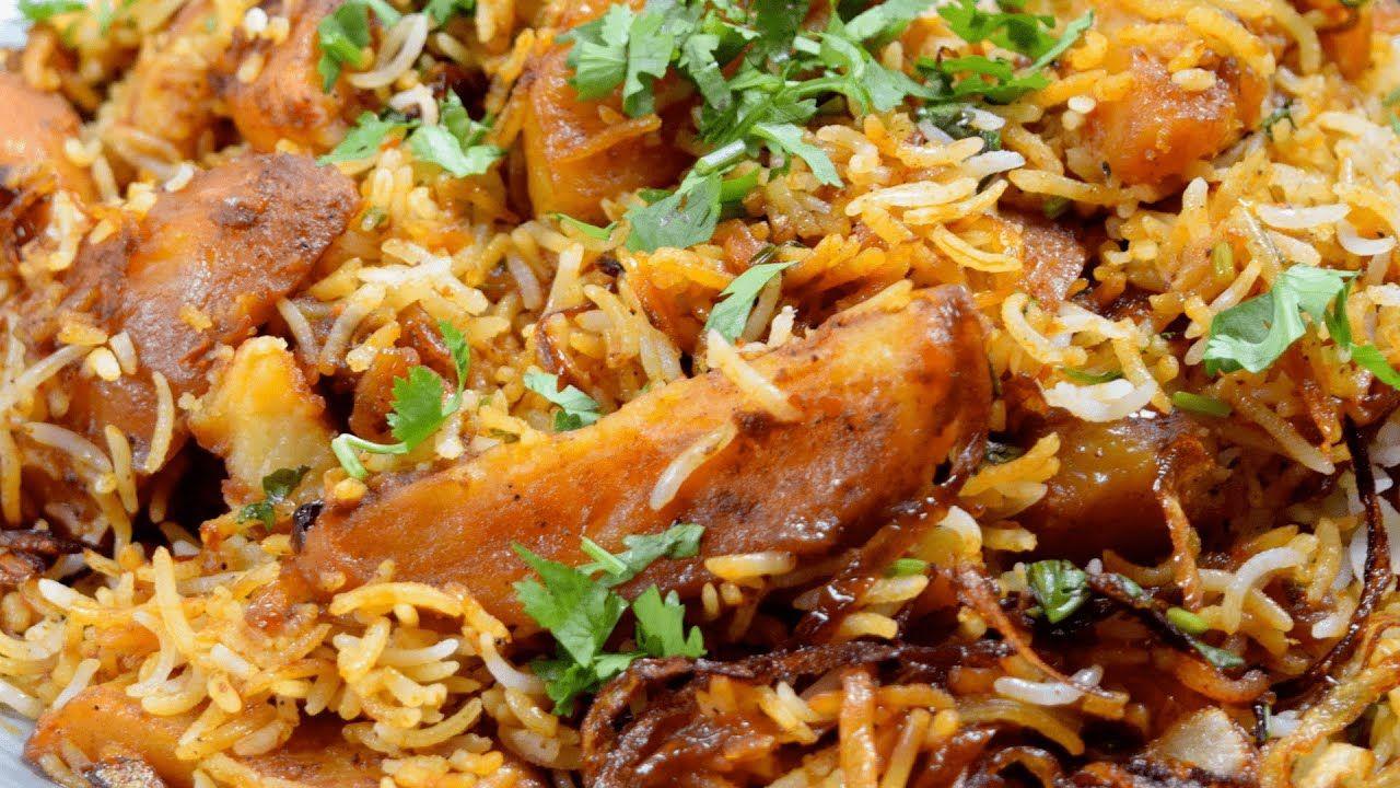 طريقة عمل كبسة البطاطس اطيب غداء ارز بدون لحم او دجاج مشبع وطعمه بيشهي Youtube Food Foodie