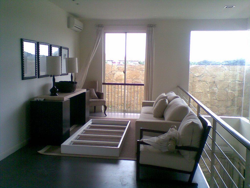 Superbe Home Interiors Consultant   Http://www.nauraroom.com/home