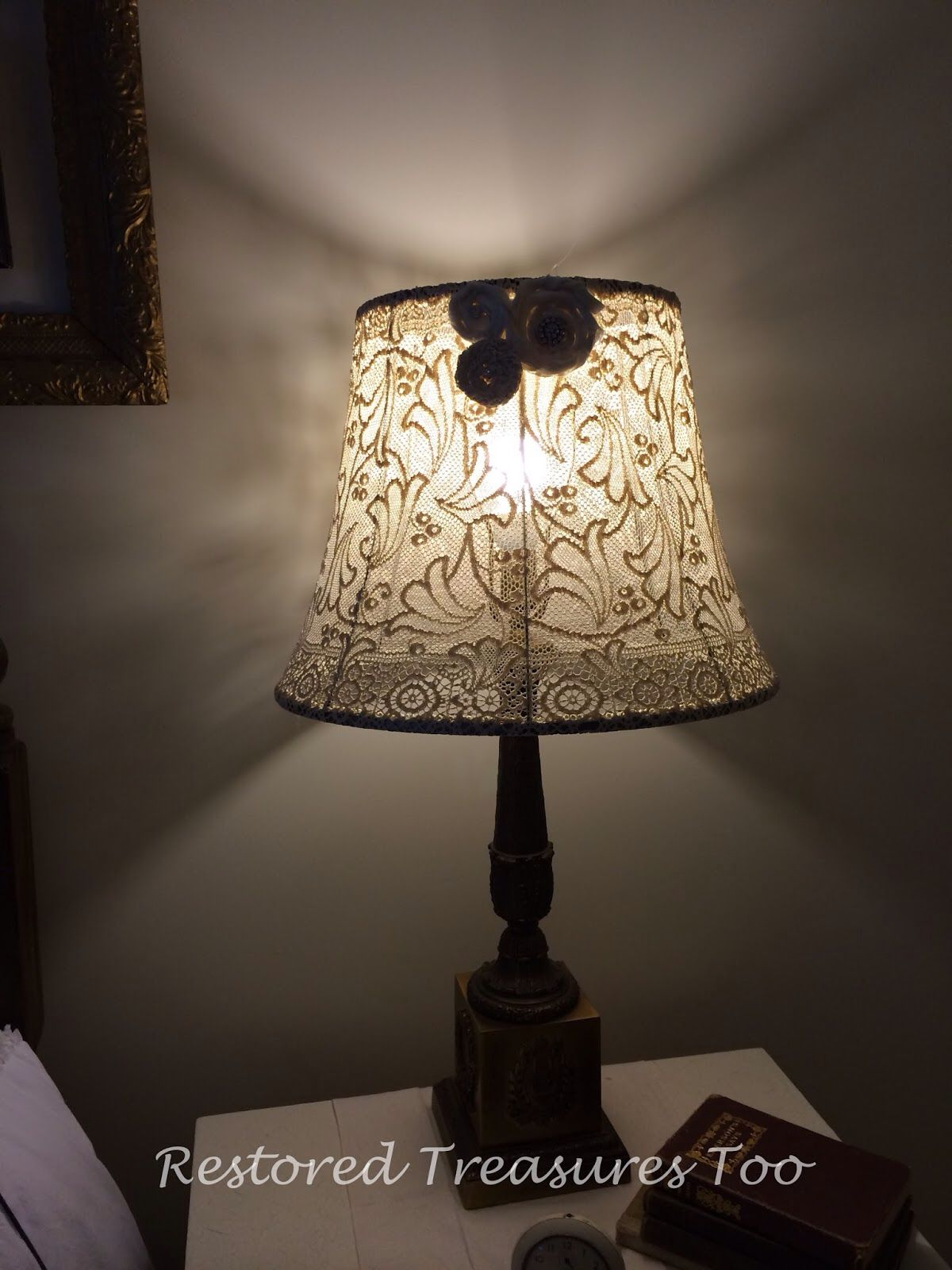 Making A Lampshade Using An Antique Lace Table Cloth Diy Vanity Shade Diy Lamp Shade Antique Lamp Shades Rustic Lamp Shades