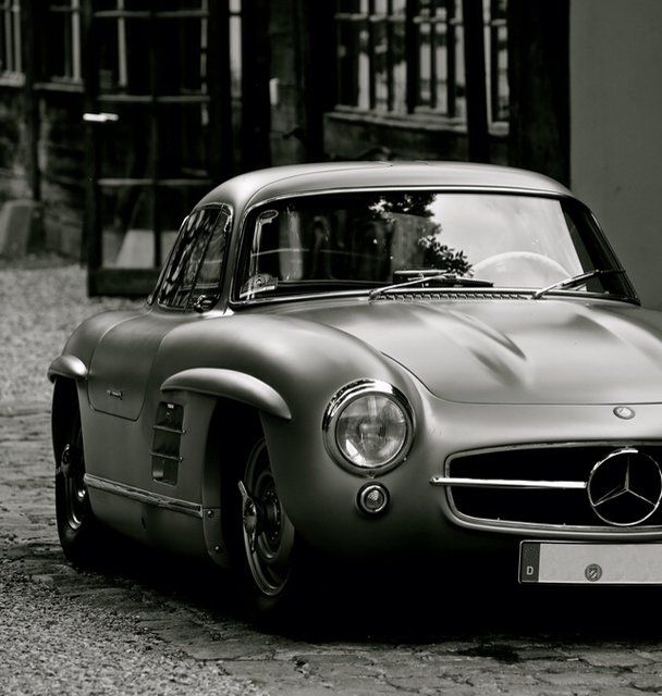 What A Iconic Classic. Mercedes Benz 300SL