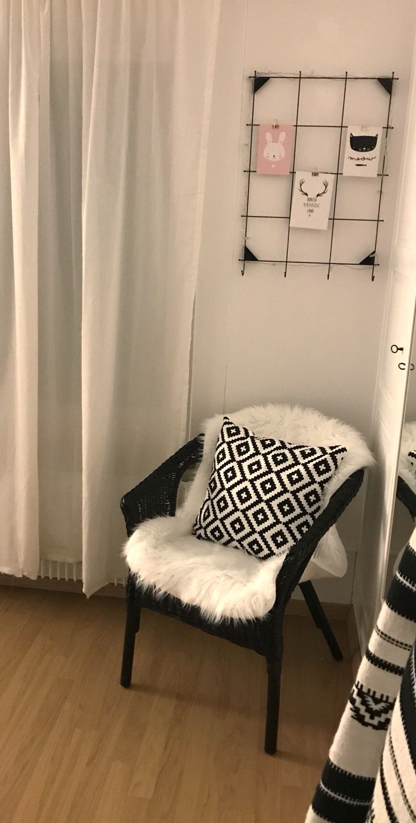ikea sessel agen diy black room inspiration apartment inspiration room. Black Bedroom Furniture Sets. Home Design Ideas