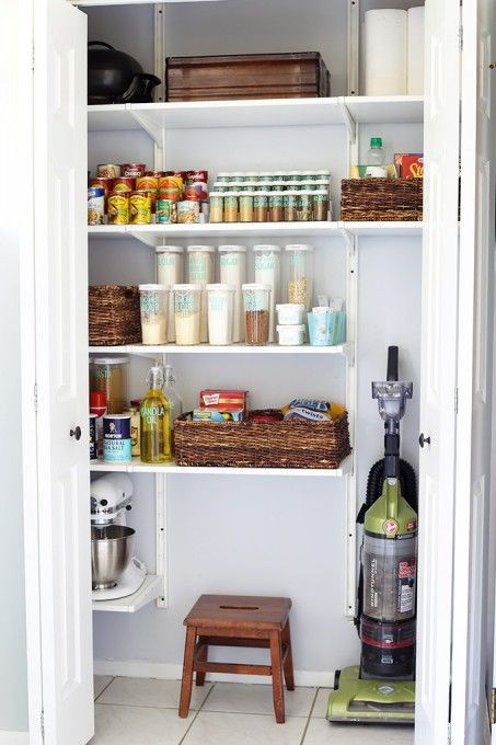 How to Get Organized When You Live in a Small House Organizing