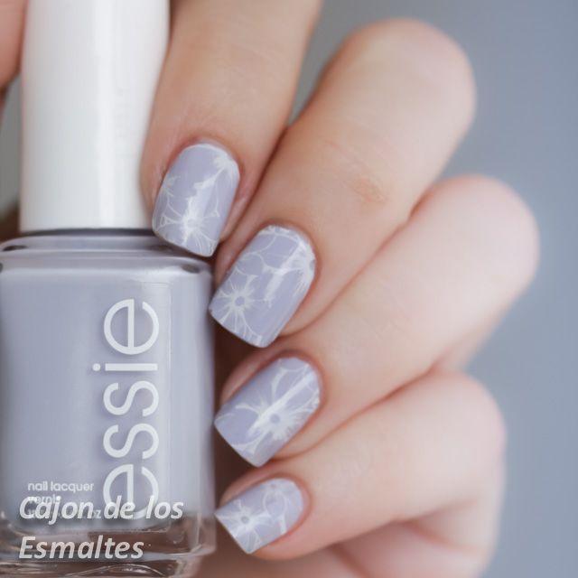 Spring pastel nails - Essie Lilacism