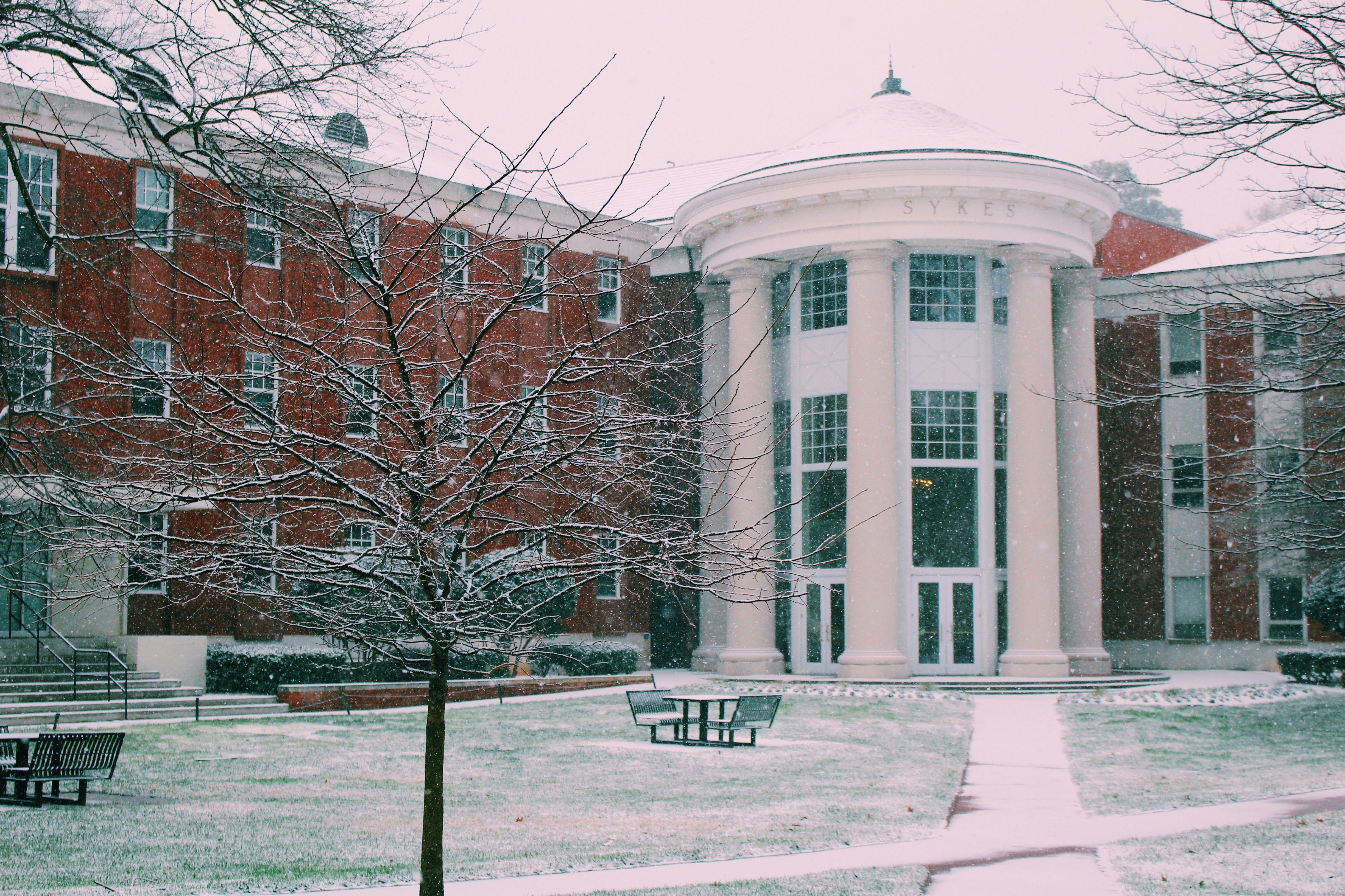 Queens University Of Charlotte Winter Queen S University University Of Charlotte City