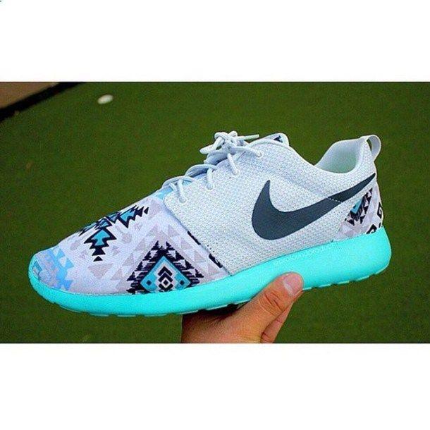 shoes nike roshe run white black blue tribal pattern neon blue white