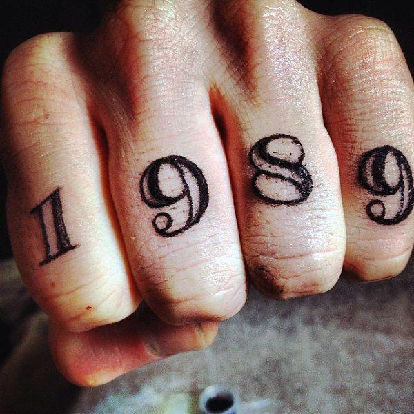 Resultado De Imagen Para Tattoo En Los Dedos Hombre Tattoo