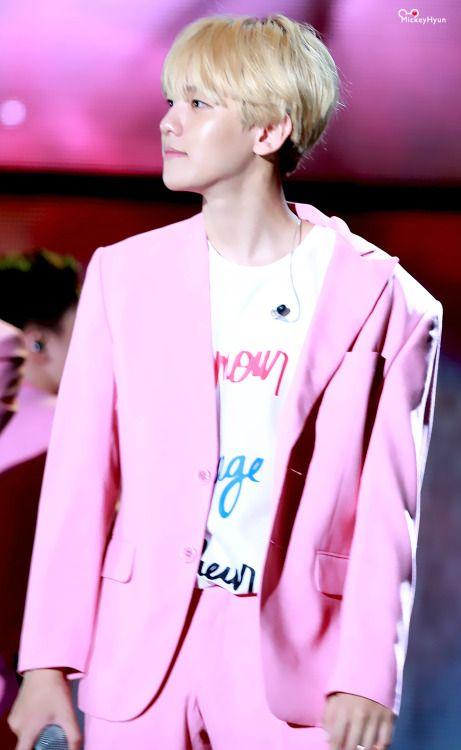 Baekhyun - 151004 2015 Gangnam K-Pop Festival Credit: MickeyHyun. (2015 강남한류페스티벌)