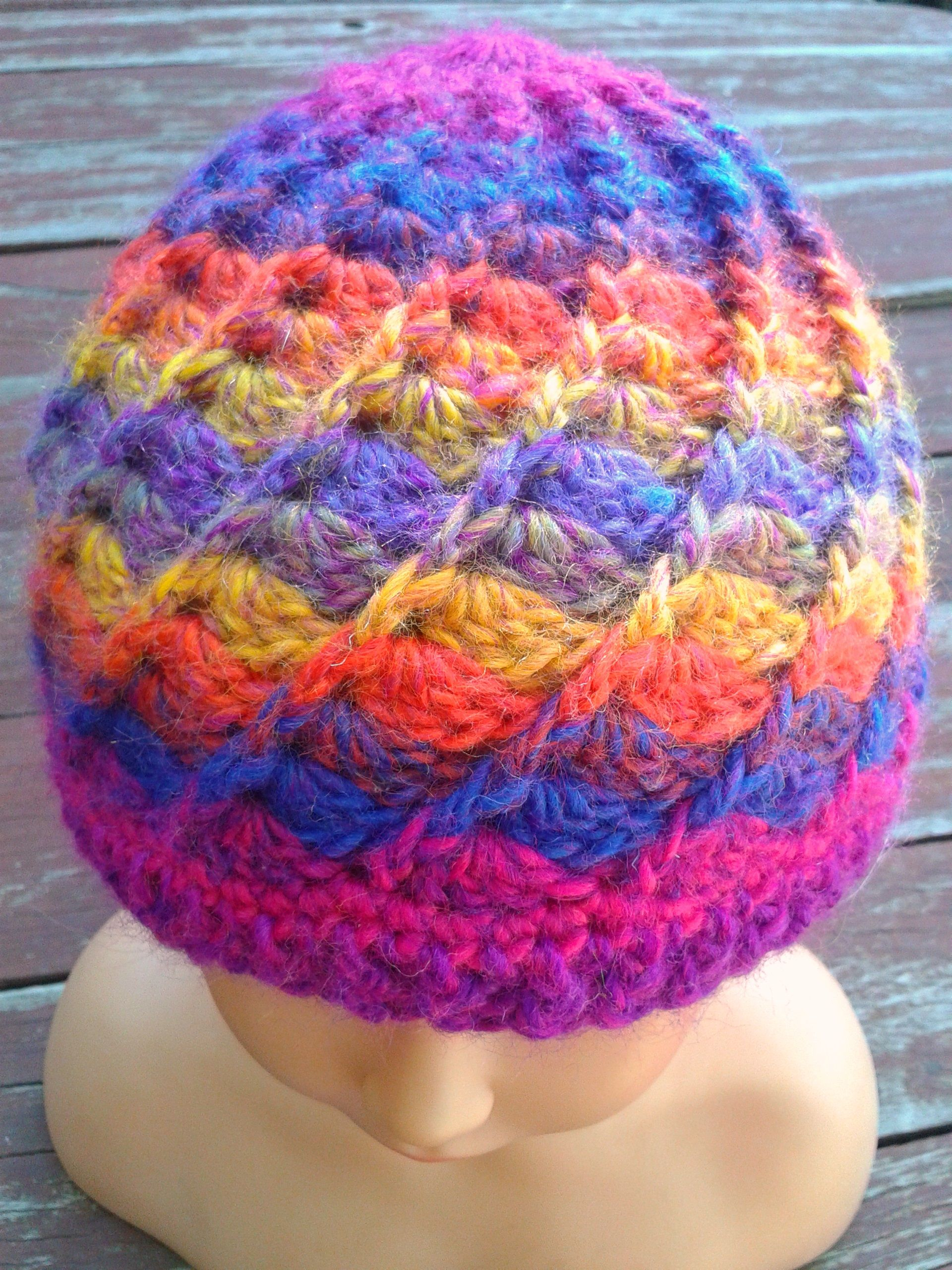 Swirl beanie made in moda vera bouvardiasunspot free crochet bankloansurffo Gallery