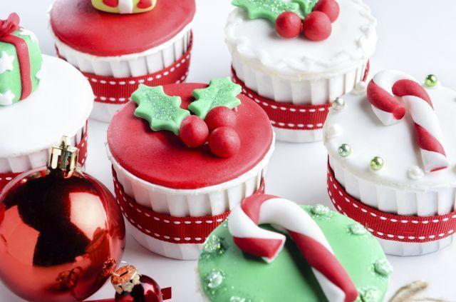 Cupcakes de fondant con motivos navideños Cakes Pinterest Cake