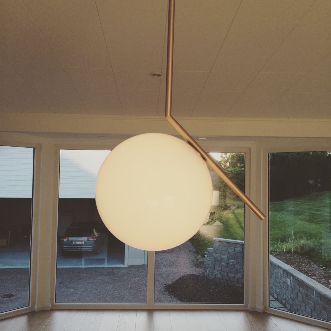 VÃ¥rt vardagsrum. soffa, mio. teakbord, loppis vas, mio lampa: flos ...