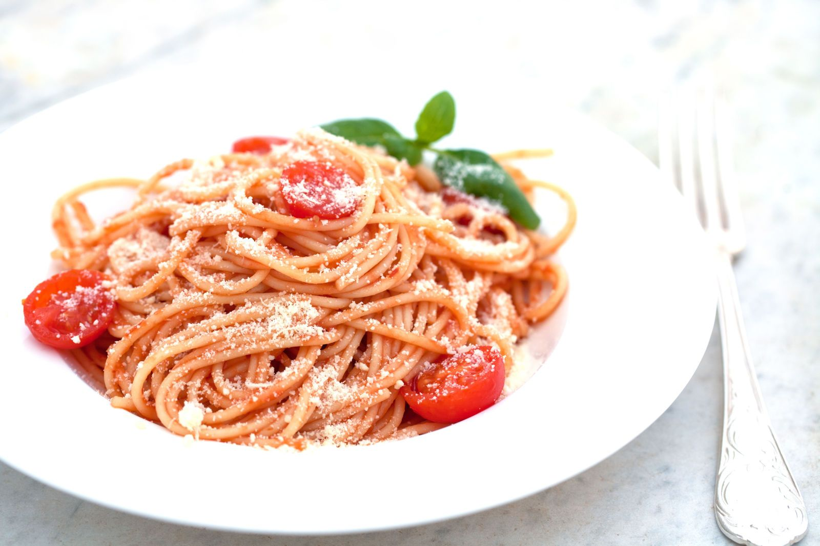 Get The Perfect Portion of Spaghetti Every Time with This Genius Trick  - Delish.com
