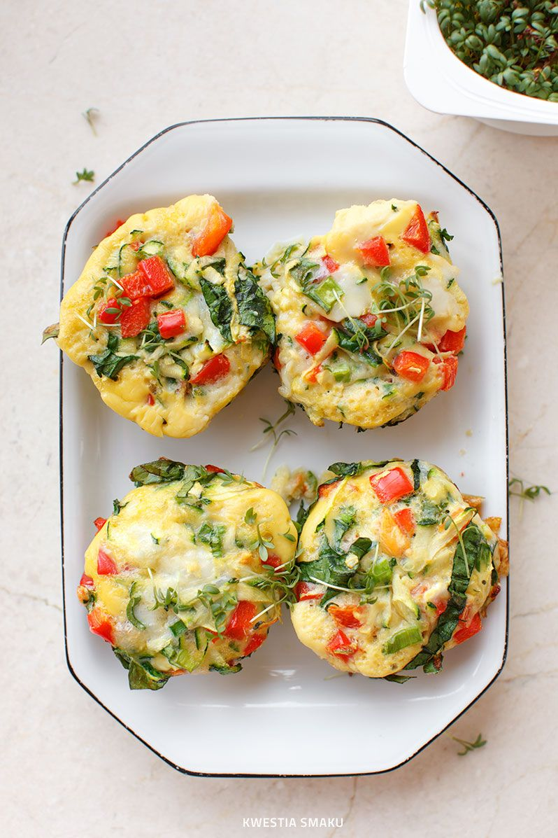 egg muffins with peppers sal recette oeuf nourriture et apero dinatoire. Black Bedroom Furniture Sets. Home Design Ideas