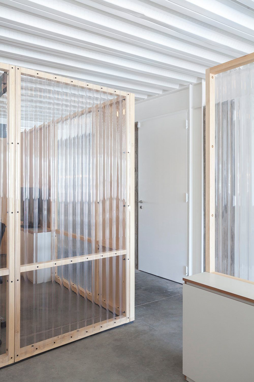 Translucent Wall Paneling Circus Ba By It Met Worke Simplicity