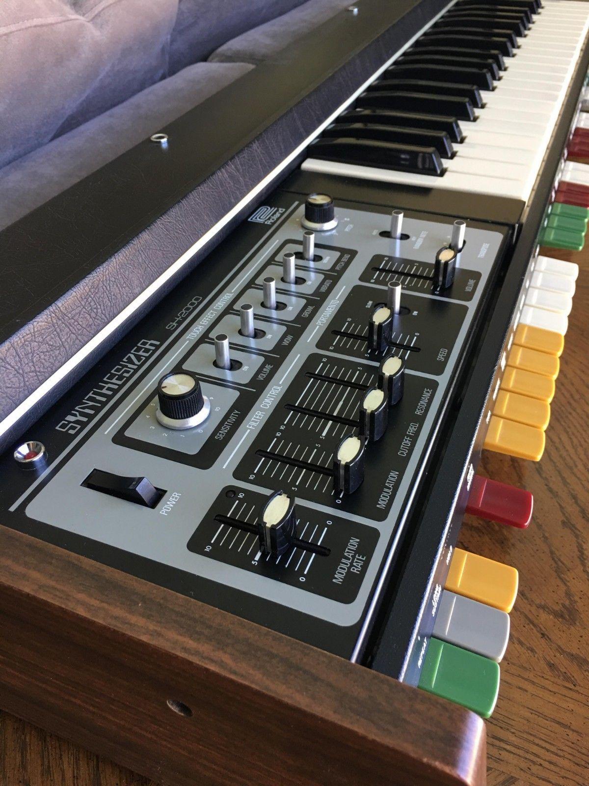Rare Vintage Roland SH-2000 analog synthesizer with Moog cascade