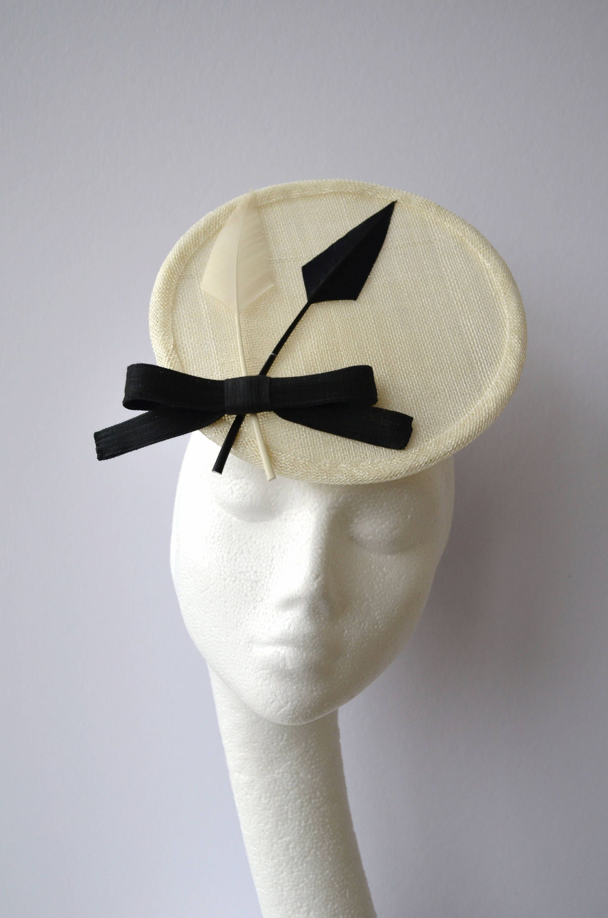 Ivory disc hat. Ivory percher hat. Black and white wedding hat. Ivory  fascinator. Mother of bride hat. Saucer hat. Small disc hat. by  jaracedesigns on Etsy 0989555d702