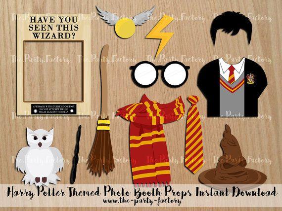 ¿Harry Potter Photo Booth Props - no estamos todos obsesionados con el carácter mágico de Harry?  * * * * * * * * * * * * * * * * * * * * * * *  Este listado es un archivo digital de PDF, no objetos físicos para ser enviado. Tan pronto como tu pago es aceptado, usted recibirá inmediatamente el archivo.   Esto incluye 1 archivo PDF (12) A3 a los apoyos de tamaño diseñado A4 listos para imprimir.  Tenga en cuenta que colores varían de monitor a monitor, así como a la impresora.   Nota…