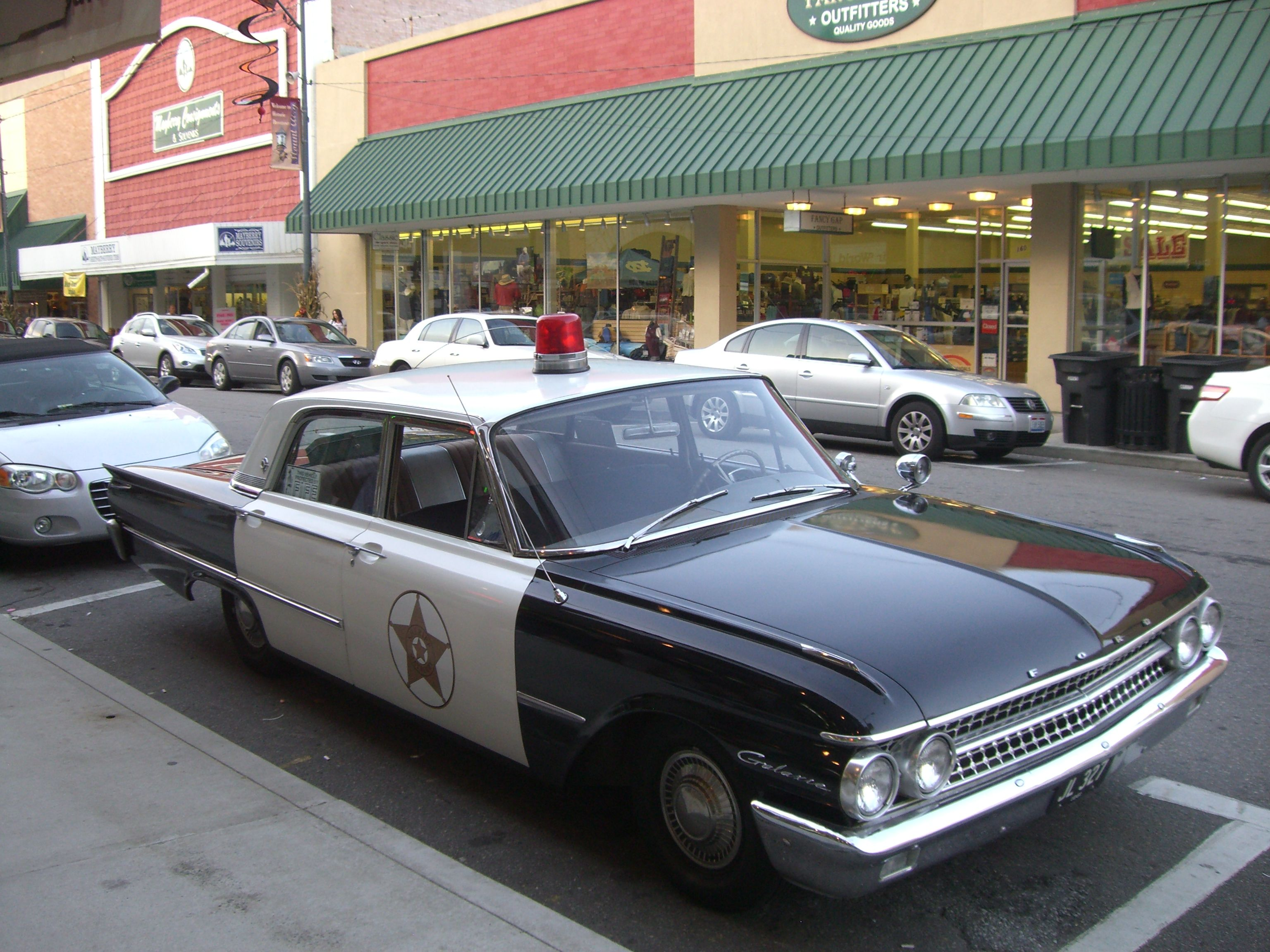 Old Car TV Show Cars | Here\'s an old police car from the Andy ...