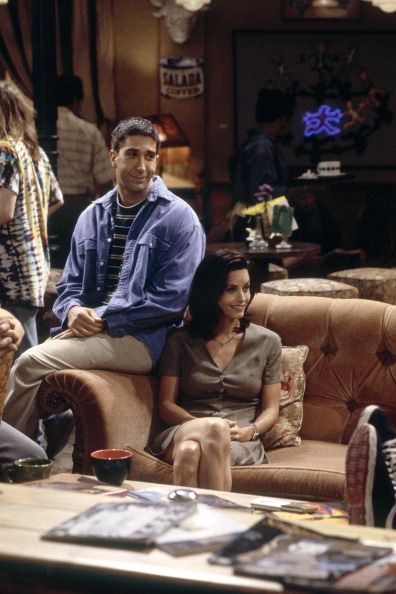 Friends: Season 1 - Episode 2 'The One With the Sonogram at the End