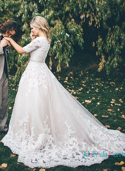 Classy princess lace wedding dress with half length sleeves
