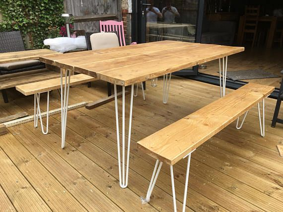 Échafaudage de bois salle à manger / Table de jardin et deux