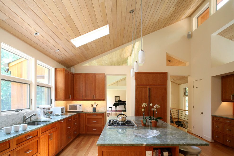 42 kitchens with vaulted ceilings kitchen modern for Wood vaulted ceiling