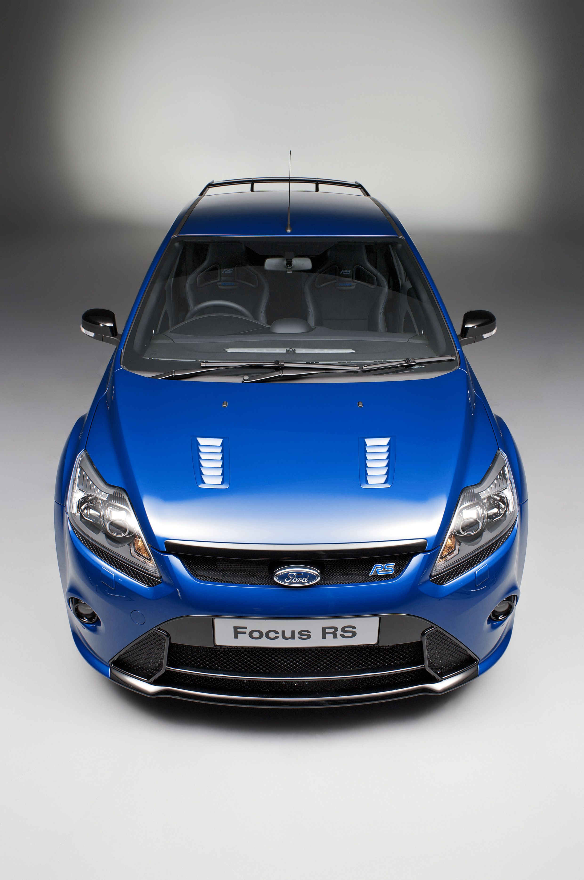 The Classic Iconic And Eye Catching Ford Focus Rs Mk 2 Universal