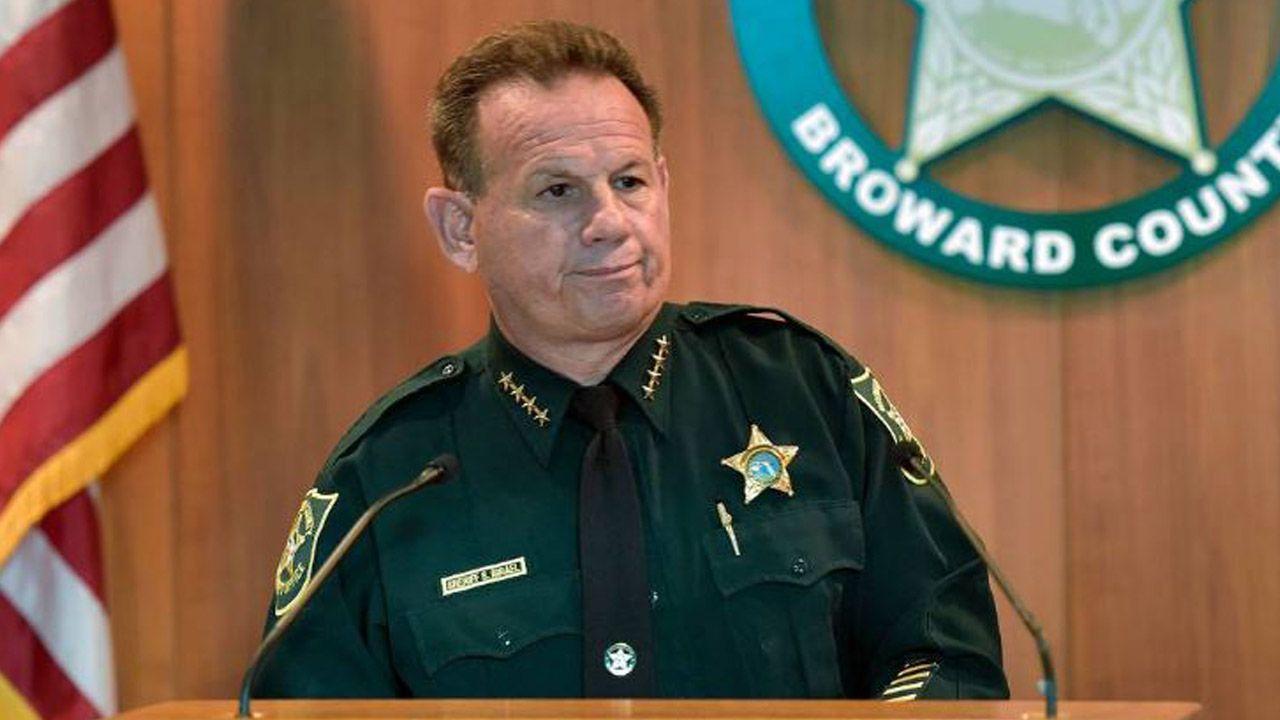 School Cop Scot Peterson 'Never Went In' During Shooting