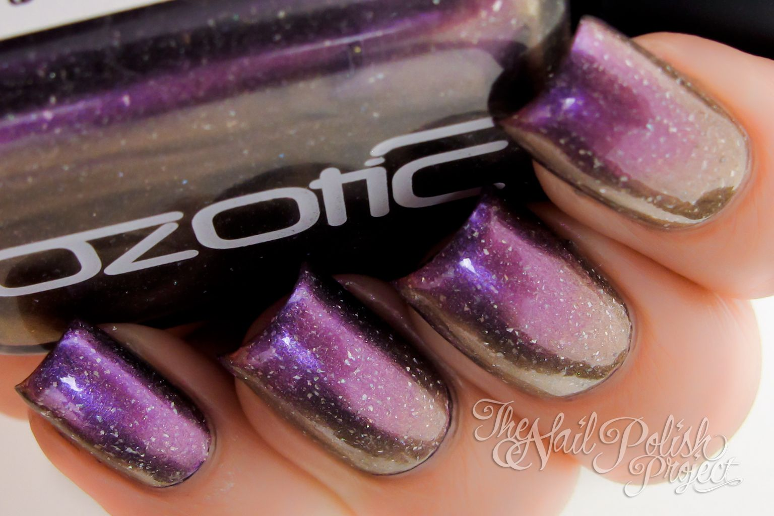 Ozotic Scatter Chrome 912; Galaxy Nails | nail polish nail polish ...