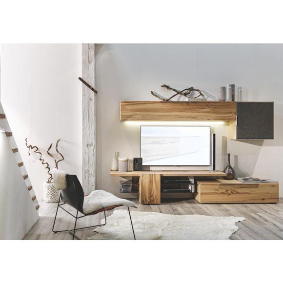 Moderne und charmante Wohnwand von VOGLAUER aus schönem Eichenholz ...