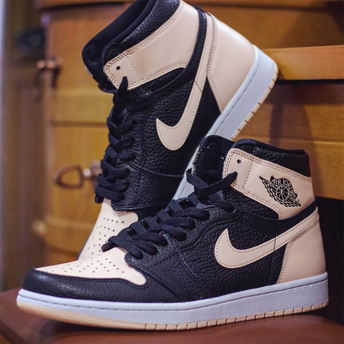 air jordan 1 high og crimson tint