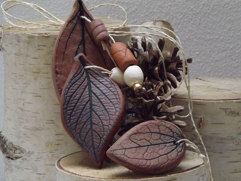 Gartendekoration - NovemberLaub Keramik Windspiel Fensterdekoration - ein Designerstück von elfenfluestern bei DaWanda