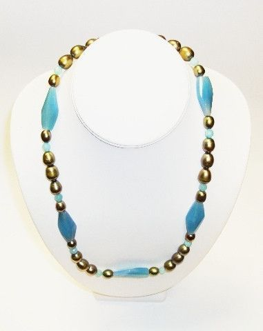 N751A Green Freshwater Pearls & Chalcedony Necklace