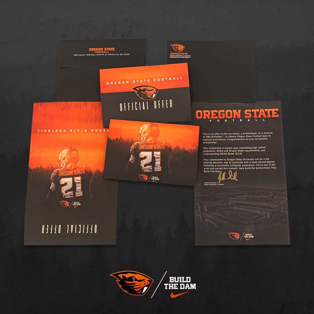Pin By Christopher Munoz On Recruit Ideas In 2020 Sports Design Sports Graphics Sports Design Inspiration