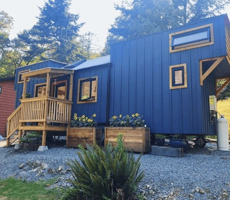 Couple Builds Beautiful Tiny House On Vancouver Island In
