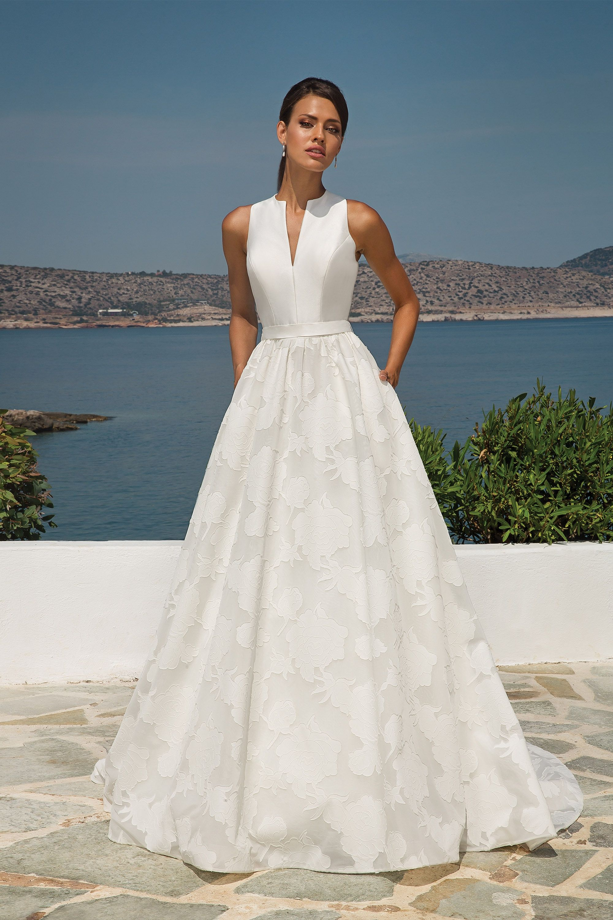 Organza Jacquard Ball Gown With Sleeveless Mikado Notch Collar