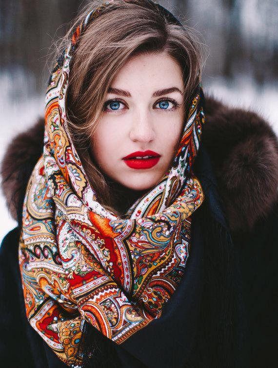 0e5ef297f6b83 châle russe 146 cm laine franges soie authentique Pavlovo   Fall ...