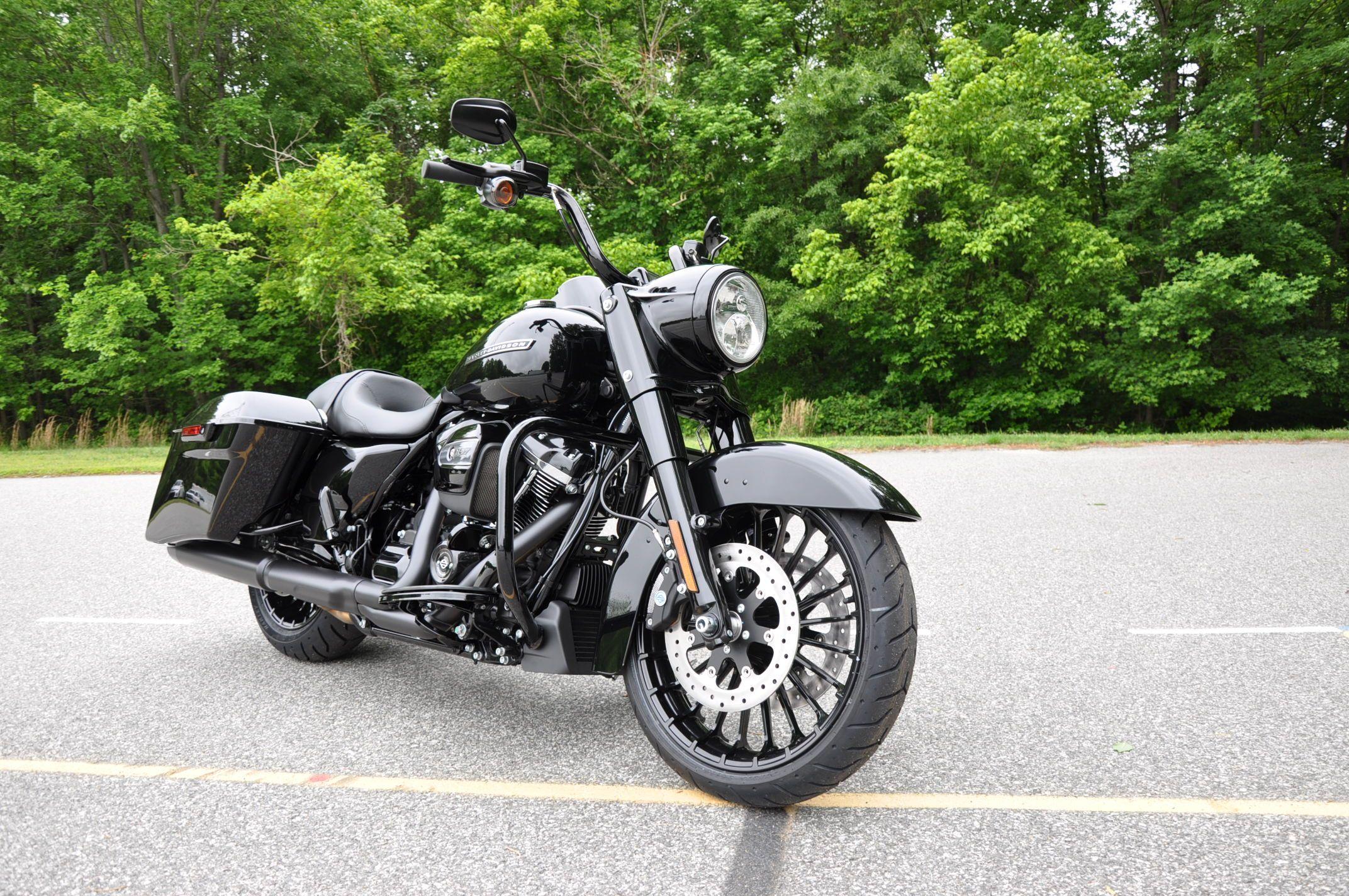 2017 Harley-Davidson Road King Special - Vivid Black # ...