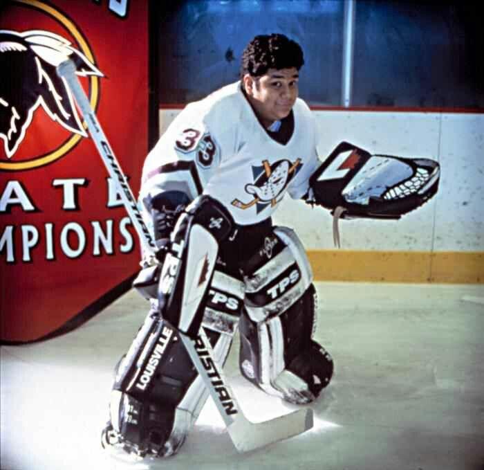 Look At That Glove Positioning The Mighty Ducks Hockey Goalie Baseball Movies Ducks Hockey Goalie