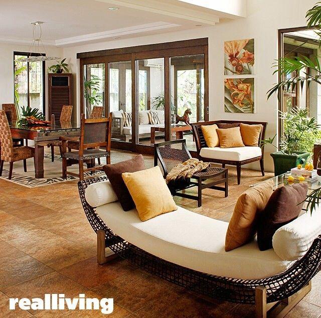 Open kitchen with a breakfast nook overlooking a small living area - muebles de bambu modernos