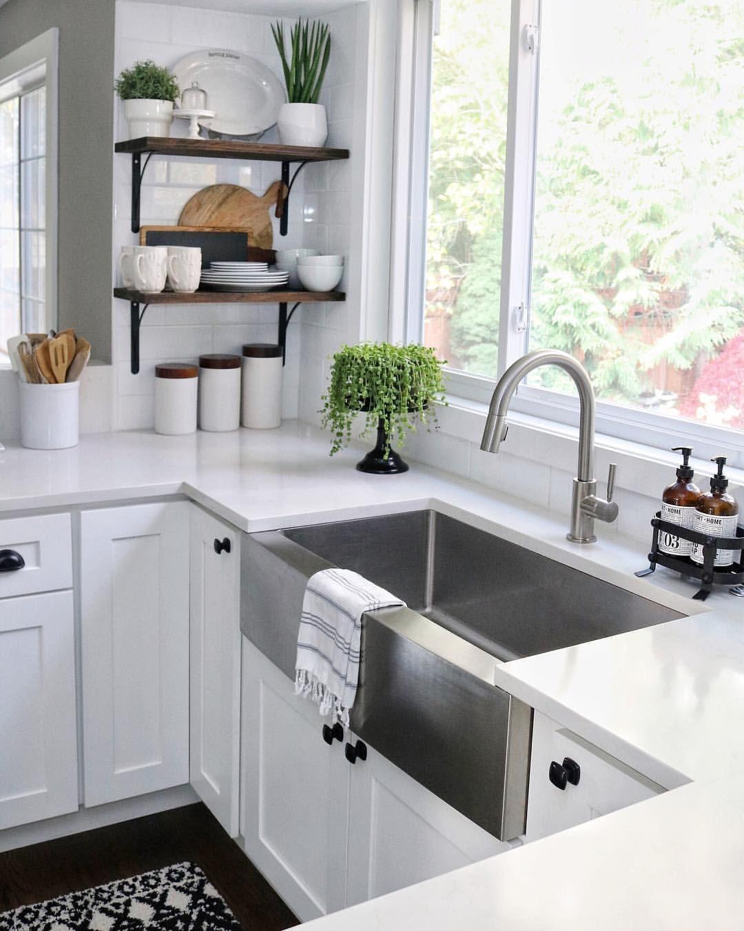 White Kitchen Stainless Steel Farmhouse Sink Quartz Countertops